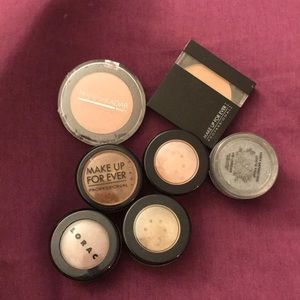 7 Different Colored Eye Shadows
